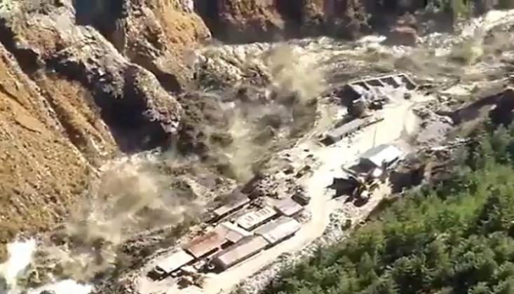 Himalayalar'da Buzul Kırılması Sel Felaketine Neden Oldu