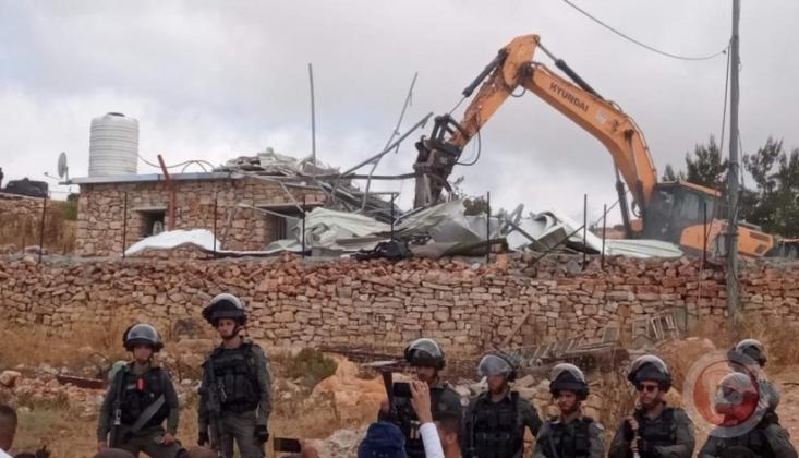 İşgal Rejimi el-Halil'de Filistinlilerin Evini Yıktı