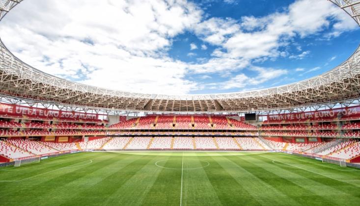 Antalya Stadyumu'nun Kapasitesi Düşüyor