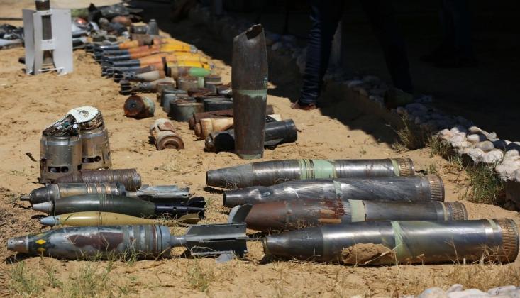 Gazze'de, Patlamayan Füzeler İmha Ediliyor
