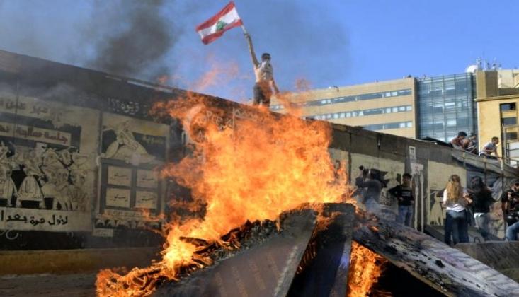 Lübnan'da Parlamento Oturumları Süresiz Ertelendi