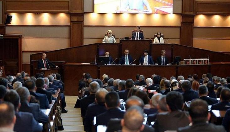 İmamoğlu'nun Veto Ettiği Teklif AKP'lilerin Oylarıyla Belediye Meclisinden Geçti
