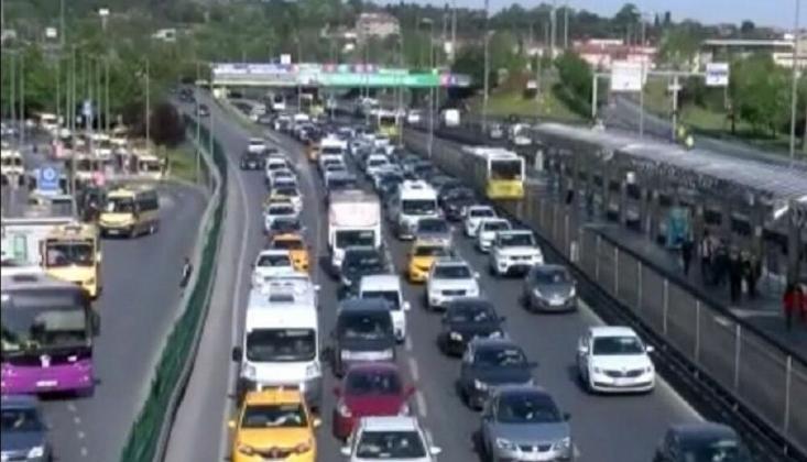 Kontrollü Sosyal Hayata Geçişin İlk Gününde İstanbul'da Trafik Yoğunluğu