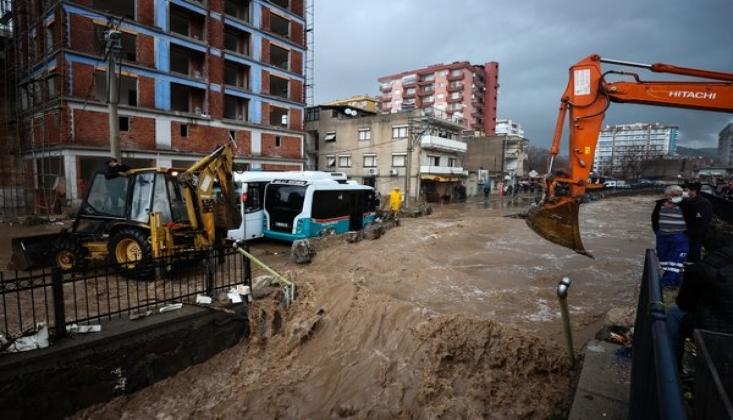 İzmir'deki Sel Felaketinde Can Kaybı 2'ye Yükseldi