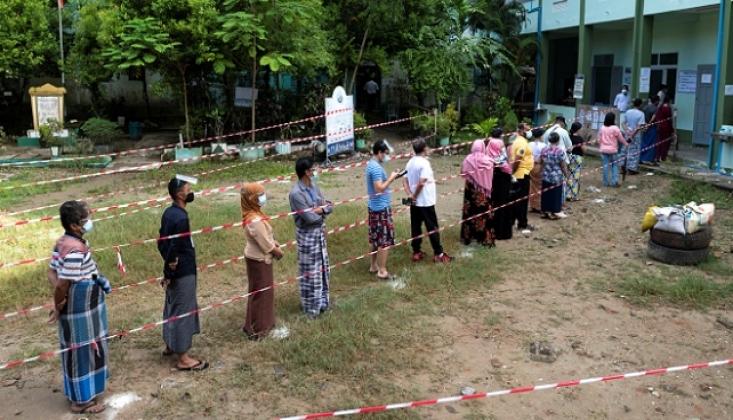 Myanmar'da Seçimler İçin Halk Sandık Başına Gitti