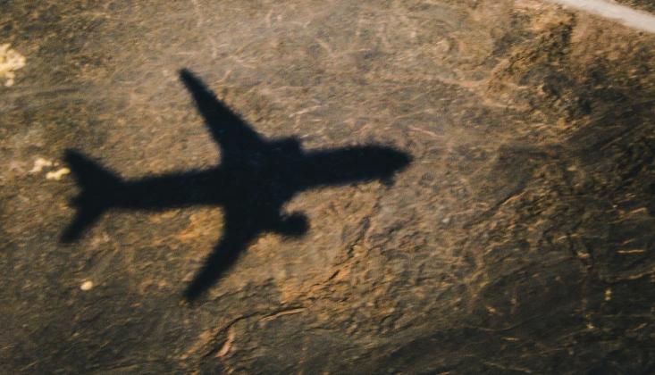 İsrail'in, Kalkan Olarak Kullandığı Yolcu Uçağının İniş Görüntüleri