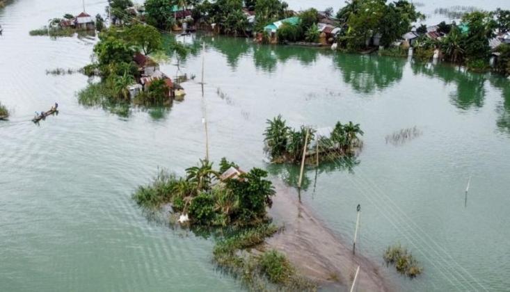 Hindistan ve Nepal'de Sel Felaketi