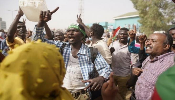 Sudan Halkı Orgeneral El Burhan ile Netanyahu Görüşmesini Protesto Etti