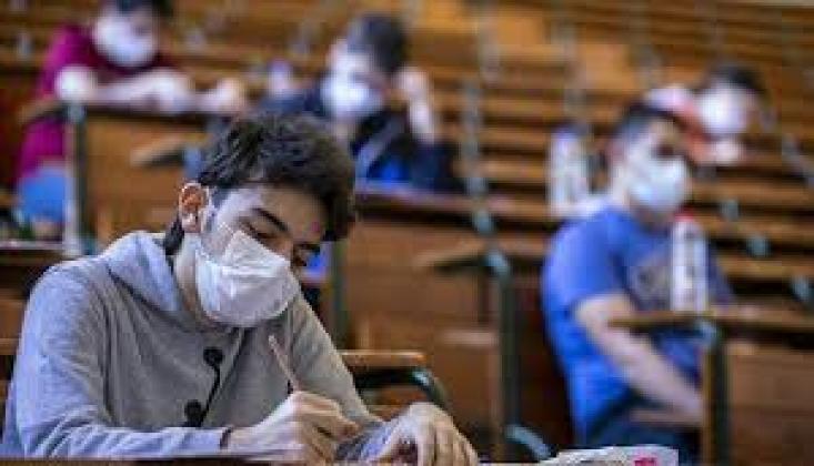 Milli Eğitim Bakanı Selçuk: LGS'ye Girecek Öğrenciler Sınav Esnasında Maskelerini Çıkarabilir