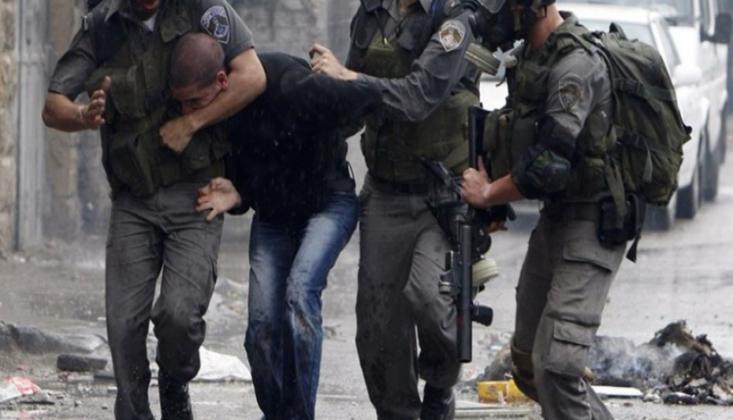 Siyonist Rejim 900 Filistinliyi Esir Aldı