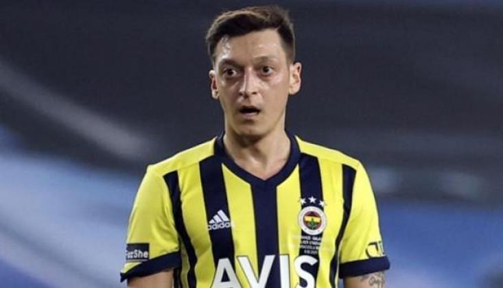 Mesut Özil'in Maaşını Arsenal Ödüyor!