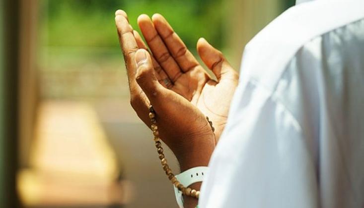 Allah Aşkı, Zorlukları Kolay Kılar