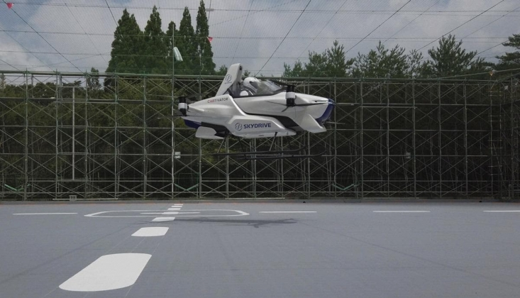 Japonya'da 'Uçan Araba' Projesinde Yolculu Deneme Uçuşu