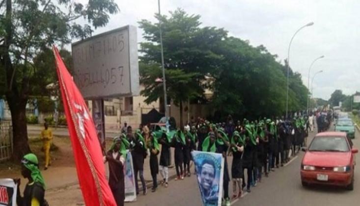 Nijerya Polisi, Aşura Merasimine Katılanlara Saldırdı