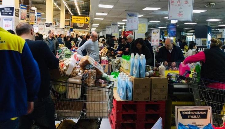 Türkiye Son 1 Haftadır Hijyen ve Temel Gıda Ürünlerinde Stok Yapıyor