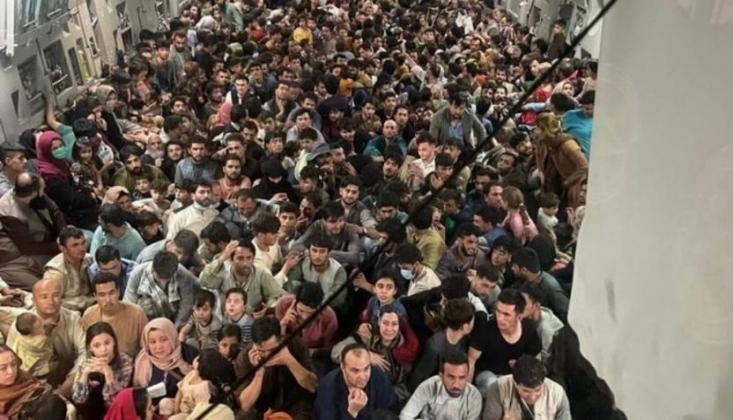 Kabil'de ABD Uçağına Yaklaşık 640 Afgan Bindirildi