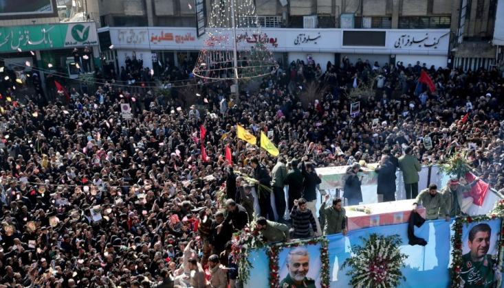 Kasım Süleymani'nin Kirman'daki Cenaze Töreninde İzdiham: 35 Ölü, 48 Yaralı