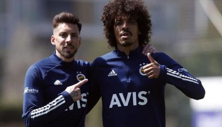 Apar Topar Kulübe Çağrılan Sosa ve Gustavo'ya Kapı Gösterildi