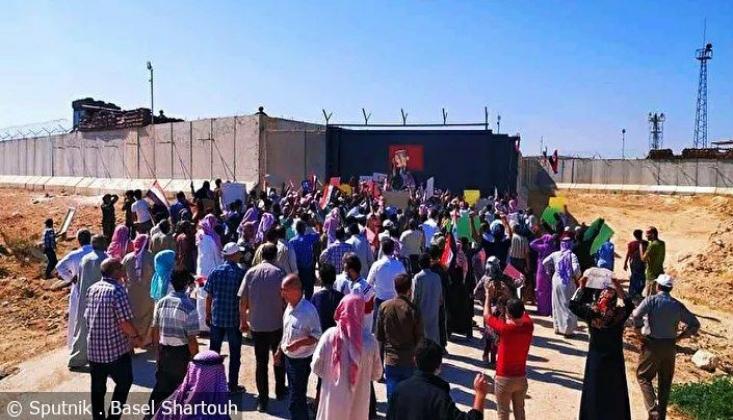 Suriye'de Türkiye'nin İdlib'deki Askeri Üssü Önünde Protesto Gösterisi