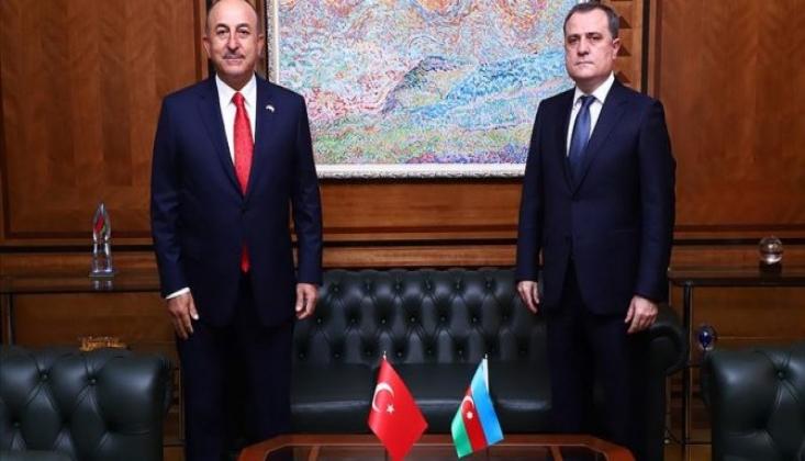 Çavuşoğlu, Azerbaycanlı Mevkidaşını Kutladı