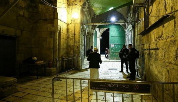 İsrail 2 Bin Filistinlinin Mescid-i Aksa'ya Girişine İzin Vermedi