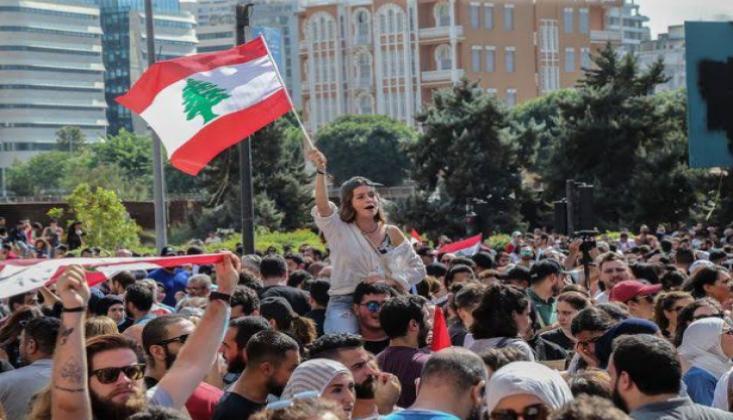 Lübnan'da Eylemlerin Ardından Ek Vergiler Geri Çekildi