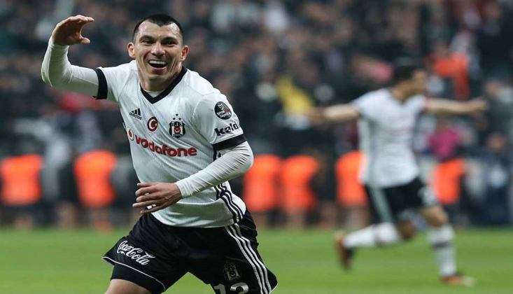 Beşiktaş'ta Gary Medel'e Bologna Kancası