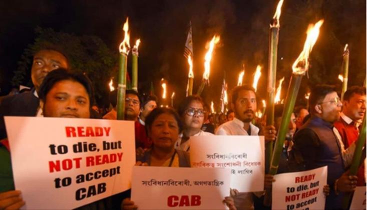 Hindistan'da Müslümanlardan Protesto