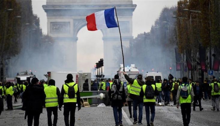 Fransa'da Sarı Yelekliler Eylemler Birinci Yılında