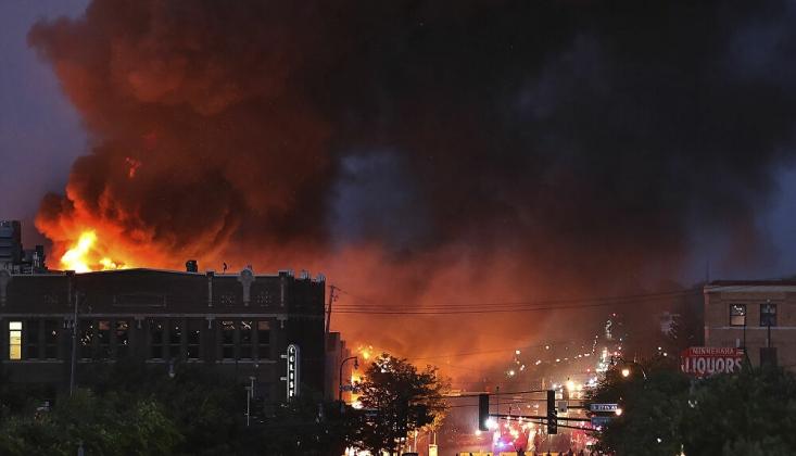 Minneapolis'te Olaylar Şiddetlendi