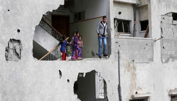 Siyonist Rejim Filistinlilerin Evlerini Yıktı