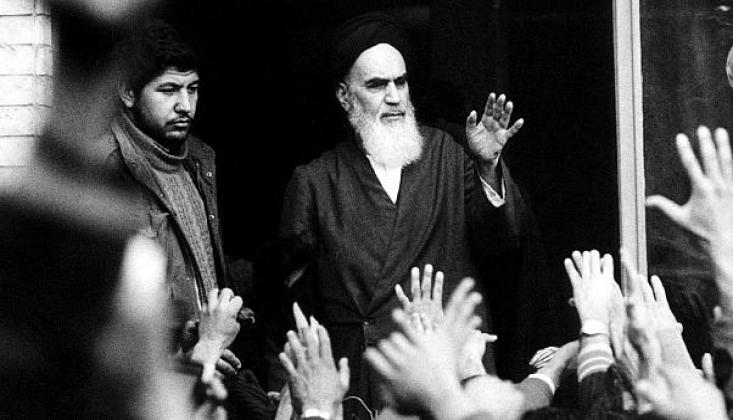 İmam Humeyni 41 Yıl Önce Bugün İran'a Döndü