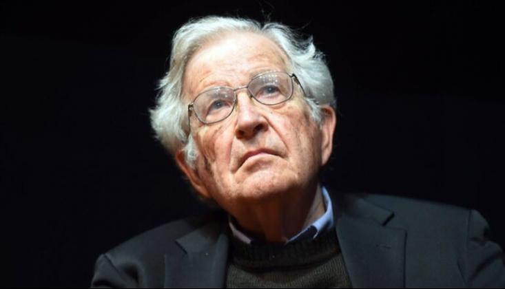 """Noam Chomsky: """"Trump İnsanlık için Bir Tehdit"""""""