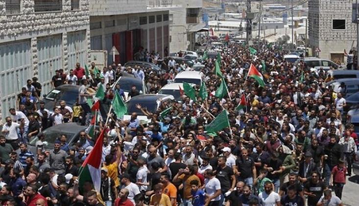 Filistin'de Yönetime Öfke Protestoları; 'Abbas Defol'