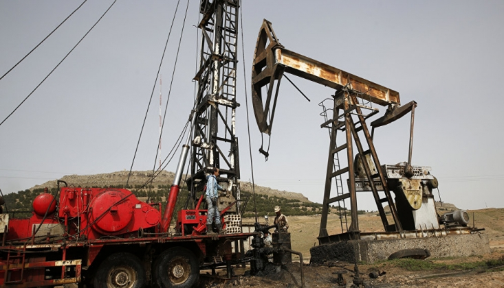 ABD Suriye'de Petrol Kaçakçılığı Yapıyor