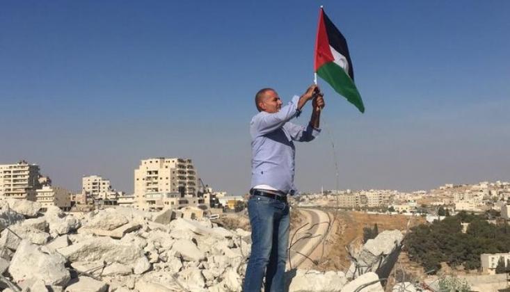 İşgal Rejimi Kudüs'te Filistinli Bir Aileye Evlerini Yıktırdı