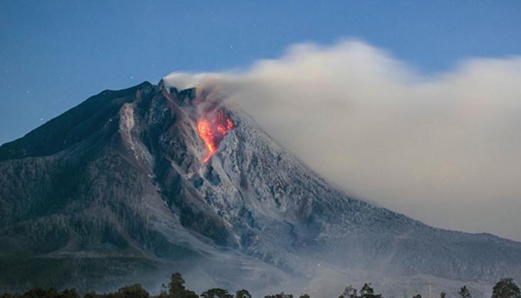 Endonezya'da Ili Lewotolok Yanardağı İçin 'Turuncu' Alarm Verildi
