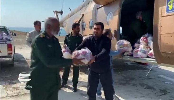 İran'ın Sel Bölgesine Yardımlar Sürüyor