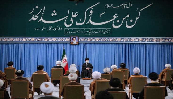 İran Nükleer Silah Elde Etmek İsterse Siyonist Palyaço Engel Olamaz