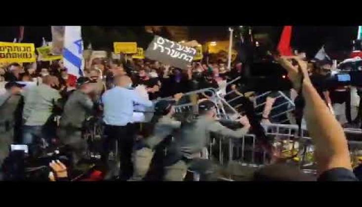 Siyonist İsrail'de Binlerce Kişi Netanyahu'nun İstifasını İstedi/VİDEO