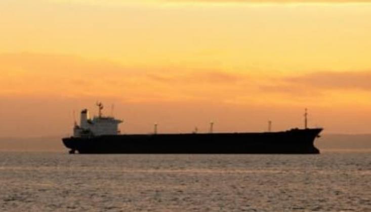 Rusya'da Akaryakıt Gemisinde Patlama
