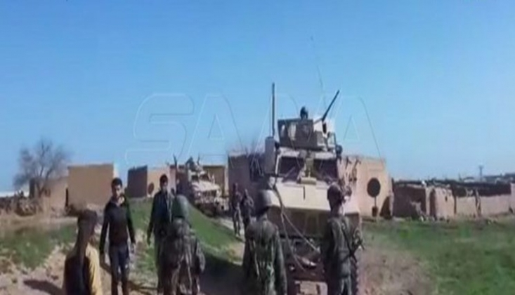 Suriye Halkı ABD Konvoyunu Taşlayarak Geri Döndürdü