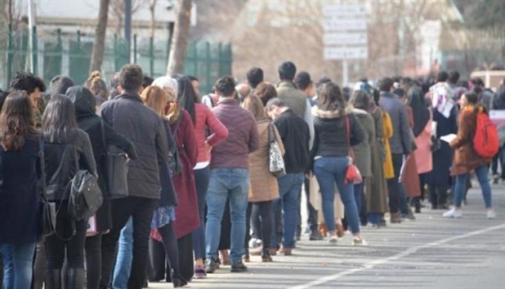 Ekonomi Değil İşsizlik Büyüyor