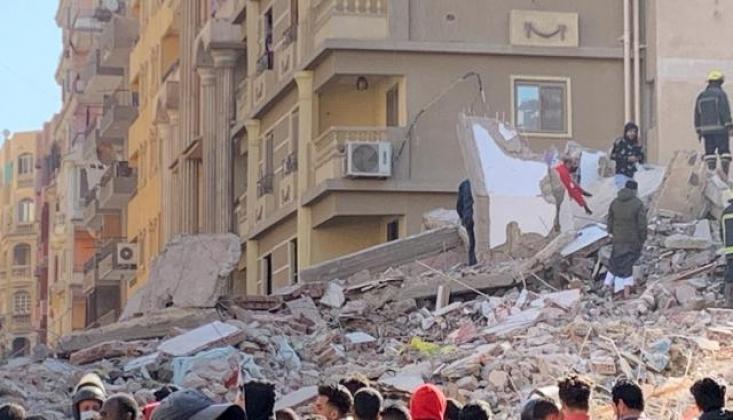 Mısır'da 10 Katlı Bina çöktü