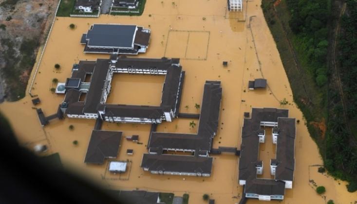 Sel Baskınları Nedeniyle 20 Bin Kişi Tahliye Edildi
