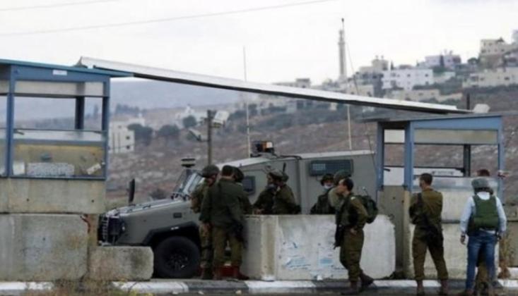 İsrail Askerlerinden Ambulanstaki Yaralıyı Gözaltına Alma Girişimi