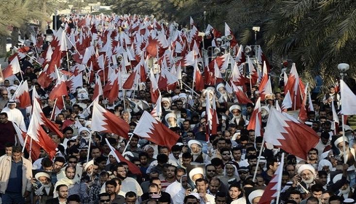 Bahreynliler İnkılap Hareketinin 10. Yıldönümünde Gösteri Düzenledi/VİDEO
