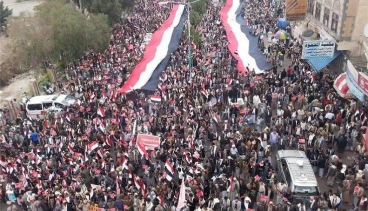 Yemen'de 21 Eylül Devrimi Coşkuyla Kutlandı