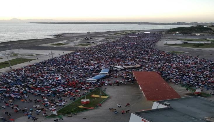 Küba'da Binlerce Kişi ABD'ye Karşı Yürüdü