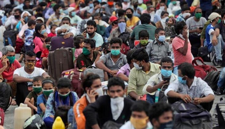 Hindistan'da 24 Saatte 5 Binden Fazla Koronavirüs Vakası Tespit Edildi